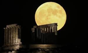 Πανσέληνος Ιουλίου: Μάγεψε το φεγγάρι του «Κόκκινου Ελαφιού»
