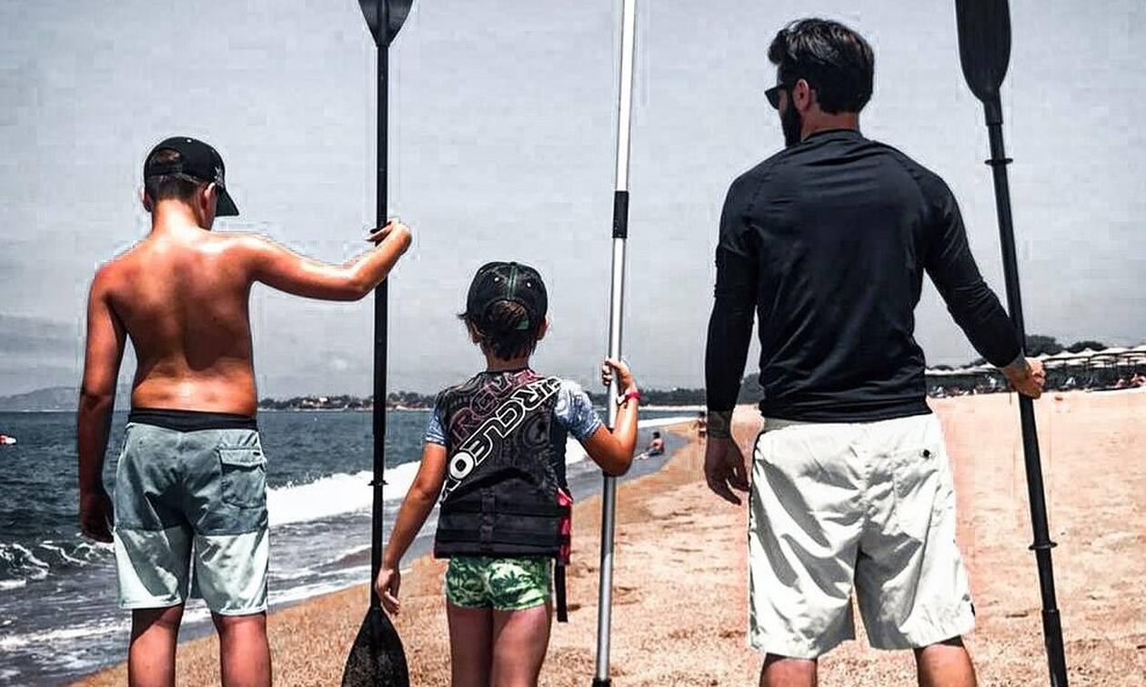 Θοδωρής Μαραντίνης:Στη Μεσσηνία για διακοπές με τους γιου του-Δείτε φώτο