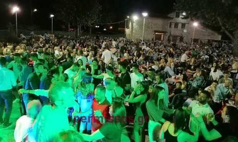 Απίστευτες εικόνες: Συνωστισμός με βουλευτές και δήμαρχους σε πανηγύρι στην Αλίαρτο