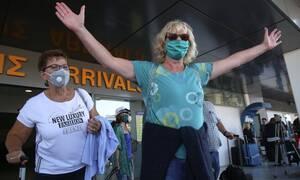 Απίστευτο: Τουρίστρια με κορονοϊό έκανε τις... βόλτες της στην Κρήτη