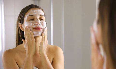 Τα οφέλη του ελαιόλαδου & της βαζελίνης για το πρόσωπο και το δέρμα