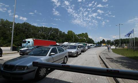 Προμαχώνας: Κυκλοφοριακό χάος - Oυρές χιλιομέτρων στα ελληνοβουλγαρικά σύνορα