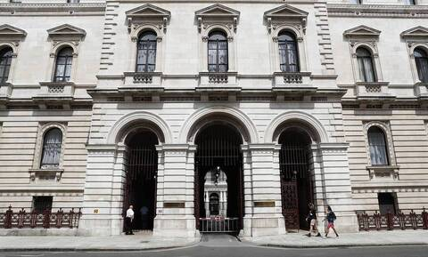 Великобритания ввела персональные санкции против россиян по делу Магнитского