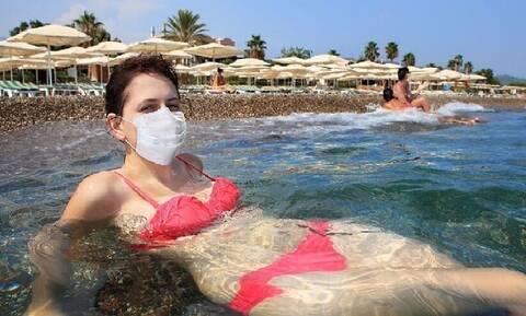 Туристы привозят в Грецию коронавирус