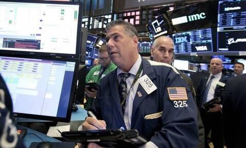 Κέρδη στη Wall Street - Μικρές απώλειες για το αργό
