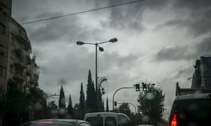 Κακοκαιρία: «Άνοιξαν» οι ουρανοί στην Αθήνα - Δείτε πού βρέχει