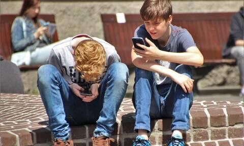 Γιατί είναι σημαντική η αποδοχή των γονιών στην εφηβική ηλικία;