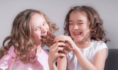 Πόσο υγιεινή είναι τελικά η σοκολάτα για τα παιδιά;