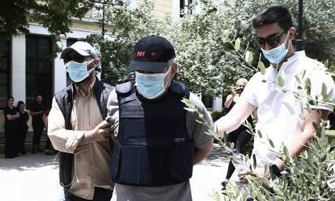 «Dr Θάνατος»: Νέα συγκλονιστική μαρτυρία - Έδινε μπουκαλάκια με βότανα έναντι 42.000 ευρώ