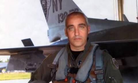 «Dr Θάνατος»: Ο ψευτογιατρός με στολή πιλότου σε αμερικανική βάση