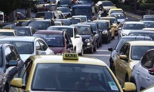 Τροχαίο ατύχημα στην Κηφισίας - Λεωφορείο συγκρούστηκε με ΙΧ
