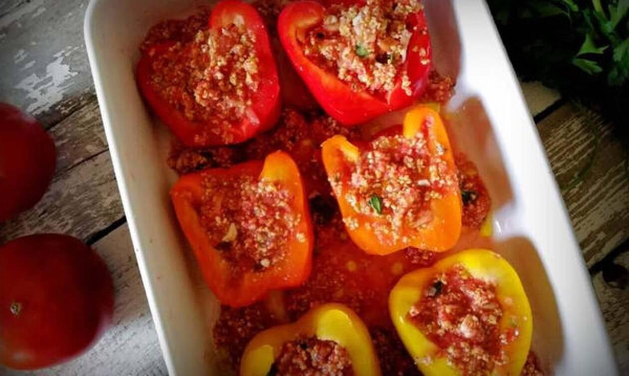 Γεμιστές πιπεριές με τραχανά - Ένα αλλιώτικο καλοκαιρινό φαγάκι