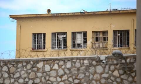 Ελληνικός Ερυθρός Σταυρός: Γραμμή ψυχοκοινωνικής υποστήριξης σε σωφρονιστικούς υπαλλήλους