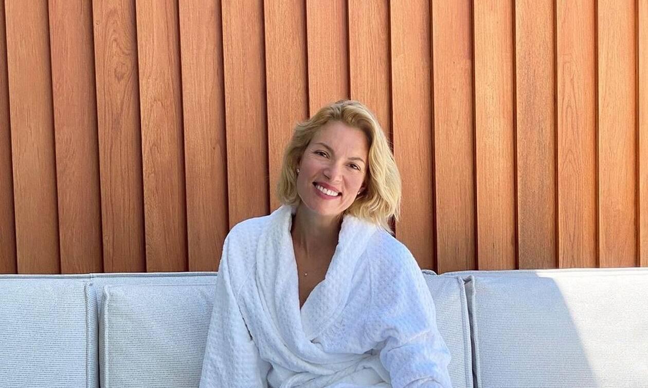 Βίκυ Καγιά: Χαλαρώνει στην πισίνα της (pic)