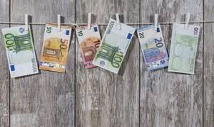Αναδρομικά: Σήμερα «βρέχει» λεφτά για χιλιάδες συνταξιούχους - Αναλυτικά τα ποσά