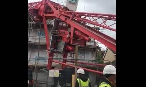 Λονδίνο: Γερανός καταπλάκωσε κτήριο - Τέσσερις τραυματίες (vid)