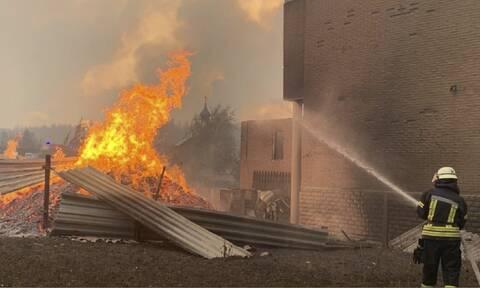 Ουκρανία: Συνεχίζεται η μάχη με τις φλόγες - Τουλάχιστον 5 νεκροί (vids)
