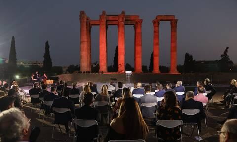 Κυριάκος και Μαρέβα Μητσοτάκη: Κομψοί στους στύλους του Ολυμπίου Διός