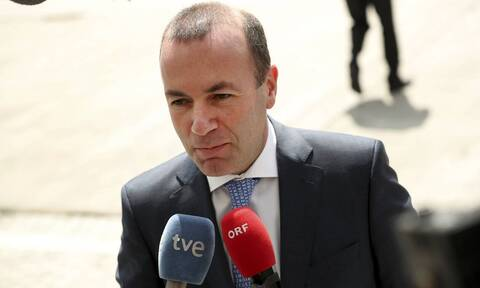 Βέμπερ: Δεν μπορούμε να αφήσουμε την Ελλάδα και την Κύπρο μόνες τους