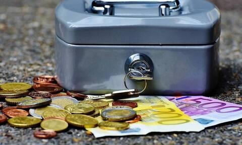 Δάνεια: Πόσο και μέχρι πότε «παγώνουν» οι δόσεις - Ποιοι είναι οι δικαιούχοι οφειλέτες