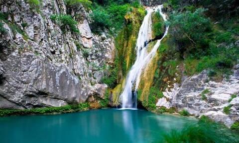 Η «Γαλάζια Λίμνη» της Ελλάδας - Δείτε πού βρίσκεται