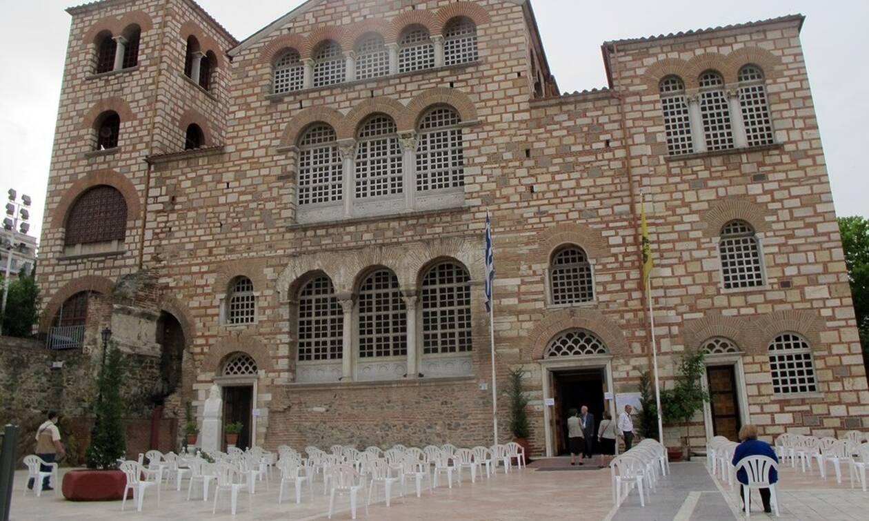 Κορονοϊός - Εκκλησίες: Παρατείνονται τα μέτρα προστασίας - Τι αναφέρει η ΚΥΑ