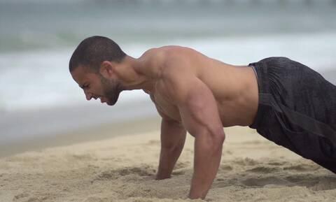 Αυτές είναι οι ασκήσεις που μπορείς να κάνεις στην παραλία!