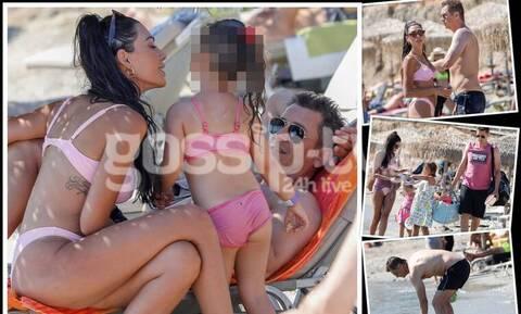Αντώνης Σρόιτερ: Όπως δεν τον έχετε ξαναδεί! Με τα κορίτσια του στη θάλασσα!