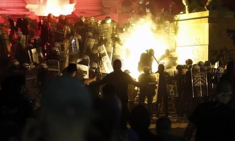 Βελιγράδι: Νύχτα βίας - Σφοδρές συγκρούσεις εθνικιστών και αστυνομικών