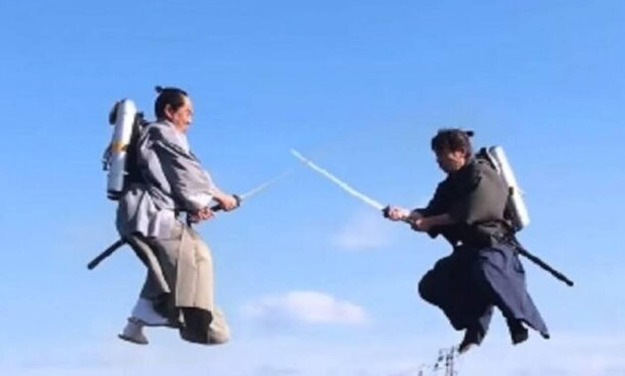 Θεόμουρλοι Γιαπωνέζοι «σφάζονται» κυριολεκτικά στον αέρα! (video)