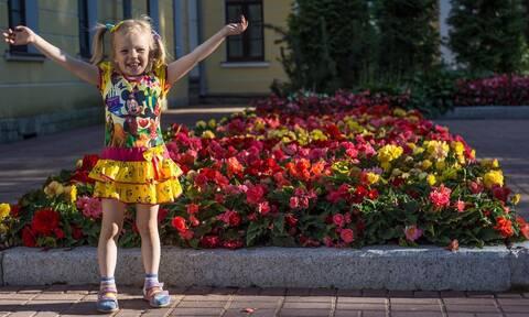 Πώς μπορείτε να περάσετε ένα όμορφο καλοκαίρι με τα παιδιά στο σπίτι