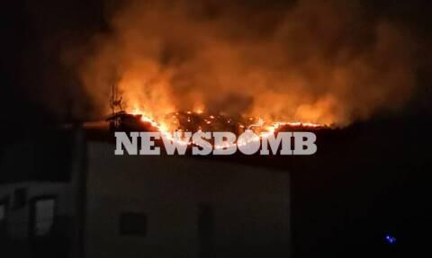 Φωτιά: Μεγάλη πυρκαγιά στο Πέραμα