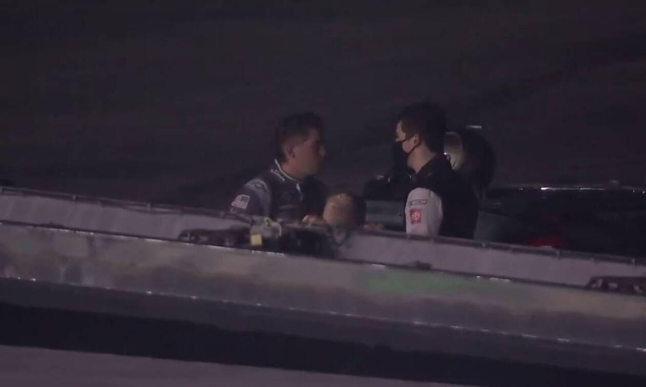 Οδηγοί πλακώθηκαν μετά από σύγκρουση σε αγώνα στο NASCAR (video)