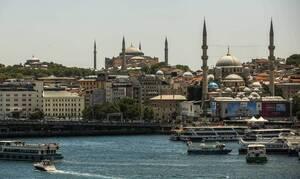 Αγία Σοφία: Οι Τούρκοι ετοιμάζουν φιέστα – Οι τοιχογραφίες και τα κόκκινα χαλιά
