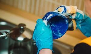 Απίστευτα καθαριστικά κόλπα για το σπίτι - Θα δείτε το σφουγγάρισμα αλλιώς