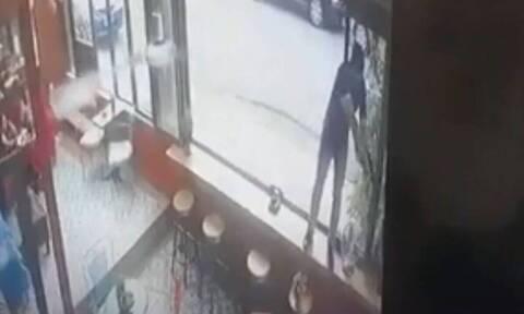 Βίντεο - ντοκουμέντα από την δολοφονία σε καφετέρια στο Περιστέρι