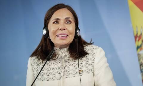 Βολιβία: Ο κορονοϊός «χτυπά» την κυβέρνηση - Kαι η υπουργός Εξωτερικών με Covid-19