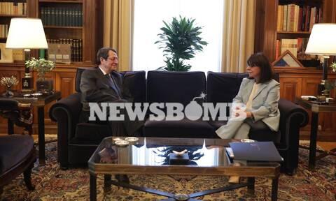 Συνάντηση Σακελλαροπούλου - Αναστασιάδη στο Προεδρικό Μέγαρο