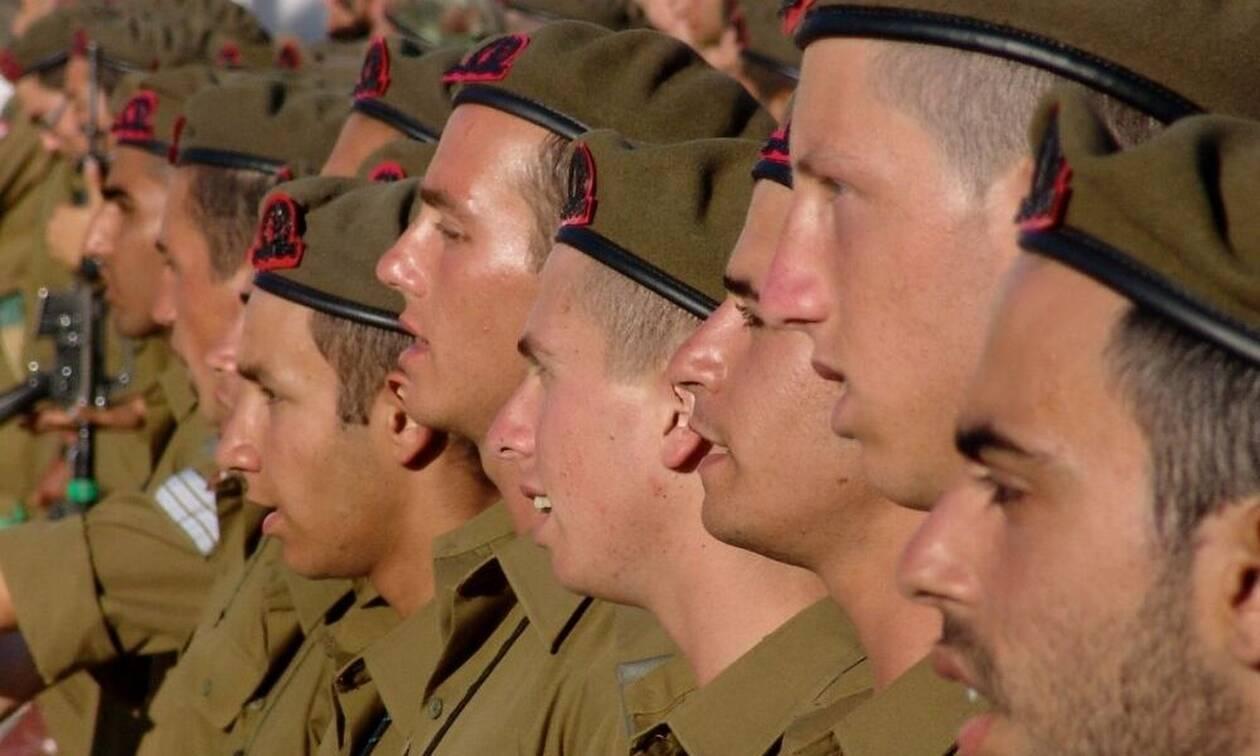 Σάλος: Γυναίκα λοχίας... κουτούλησε στρατιώτη - Δείτε τον λόγο