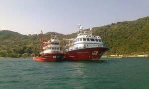 Τουρκικά αλιευτικά σκάφη σουλατσάρουν στη Μύκονο - Ησυχία, η Αθήνα κοιμάται...