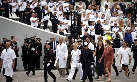 Γαλλίδα υφυπουργός πήγε σε εκδήλωση χωρίς μάσκα και πανικοβλήθηκε