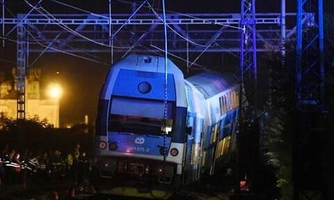 Τσεχία: Δεκάδες τραυματίες από σύγκρουση τρένων κοντά στην Πράγα