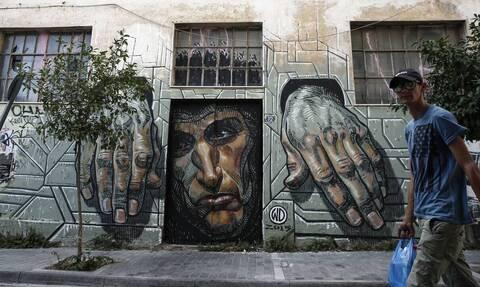 Πώς ο κορονοϊός καθιστά «τοξικό» το χρέος των ελληνικών νοικοκυριών