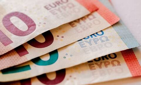 Αναδρομικά: Ποιοι θα πάρουν έως και 7.800 ευρώ - Τα ποσά ανά Ταμείο