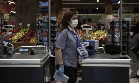 Κορονοϊός: Μάσκες σε όλους τους κλειστούς χώρους εισηγούνται οι λοιμωξιολόγοι