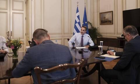 Κόντρα ΝΔ - ΣΥΡΙΖΑ για την σύσκεψη στο Μαξίμου για τον κορονοϊό
