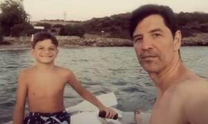 Σάκης Ρουβάς: Το βίντεο με τον Αλέξανδρο που κάνει το γύρο του διαδικτύου