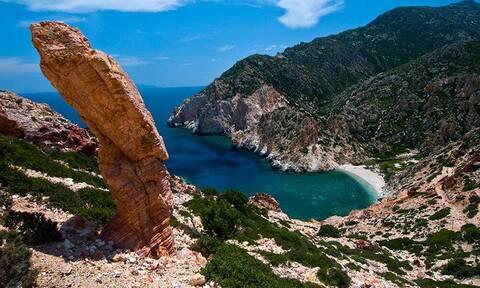 Γνωρίστε το μεγαλύτερο έρημο νησί του Αιγαίου! (pics)
