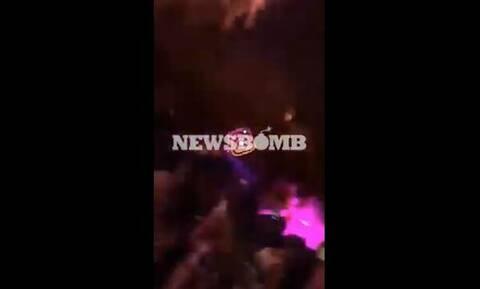 Απίστευτες εικόνες: Χαμός από τον συνωστισμό σε κλαμπ στην Κόρινθο