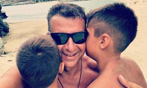 Γιώργος Λιάγκας: Δείτε τι ακολουθεί συνεχώς τον γιο του στην Τήνο